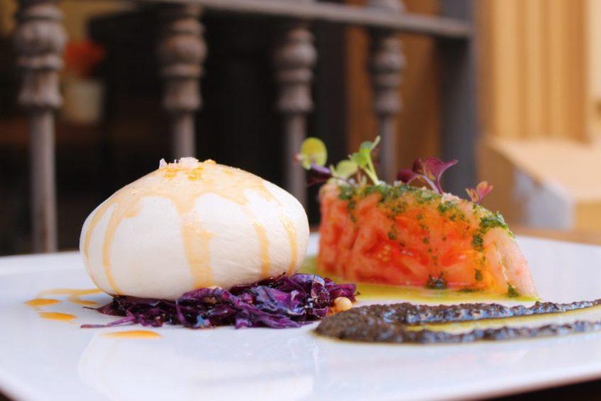Burrata, recomendación fuera de carta. Foto: Cosas de Comé