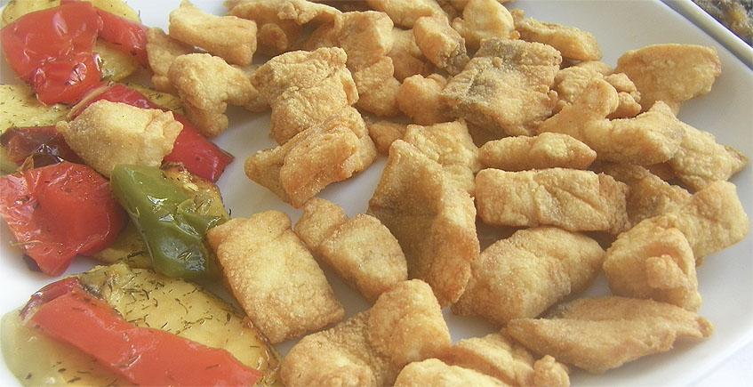 Lubina frita de estero del restaurante 1927 de Isla Mayor. Foto: Cosasdecome