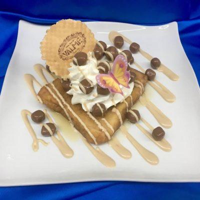 Torrija con bolitas de chocolate. Foto cedida por el establecimiento.