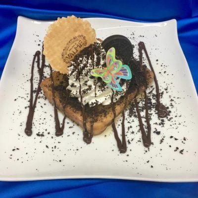 Torrija con galletas Oreo. Foto cedida por el establecimiento.