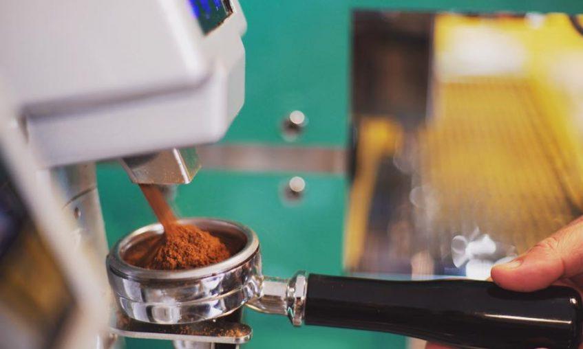 La mayoría de los clientes de Utopía prefieren el café para llevar. Foto cedida por el establecimiento.