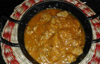 Plato de carne de lidia en la antigua abacería de San Lorenzo. Foto: Cedida por el establecimiento