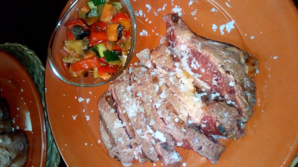 Las carnes de la Frisona provienen del distribuidor Ostreasur. Foto cedida por el establecimiento.