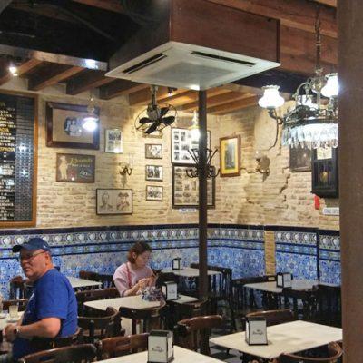 El comedor del bar El Comercio. Foto: Cosasdecome