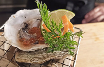 Las ostras a la brasa de Iki