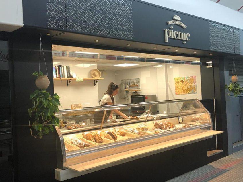 Puesto de panadería de Picnic en el mercado del Arenal. Foto cedida por el establecimiento.