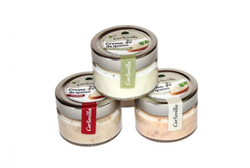De las tres variantes del queso de cabra de untar es la de lomo ibérico la que tiene mayor demanda. Foto cedida por la cooperativa.