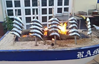 Espetos de sardinas en Casa Ramos. Foto: Cedida por el establecimiento.