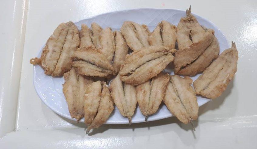 Las frituras de boquerones, chocos, cazón o puntillitas frescas son especialidades de la casa. Foto cedida por el establecimiento.