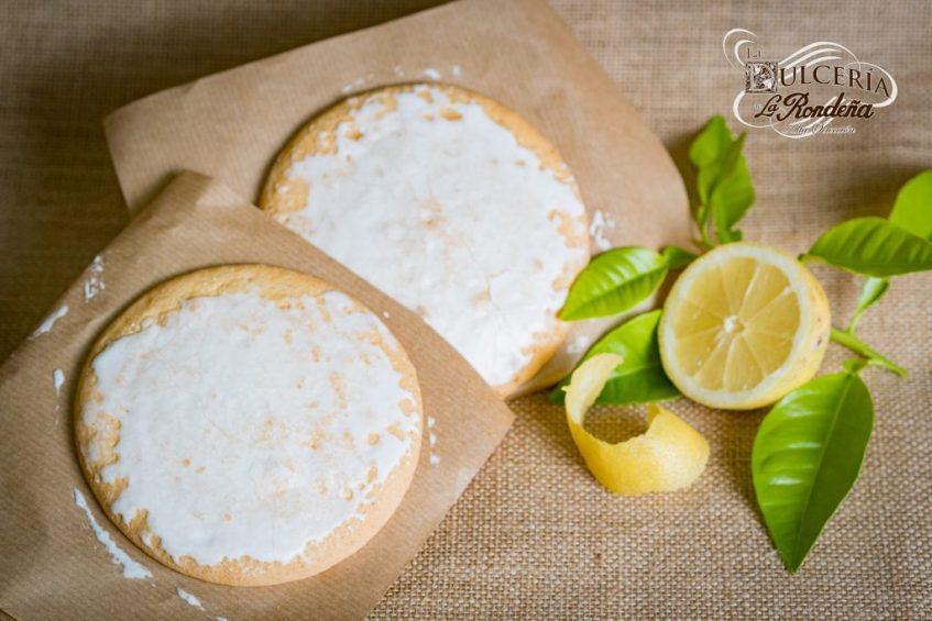 La Rondeña destaca de su mostachón el suave glaseado y aroma a limón. Foto cedida por el establecimiento.