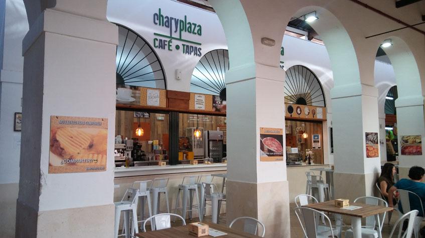 Chari Plaza, el nuevo establecimiento abierto en ei interior del mercado de abastos de Osuna. Foto: Cosasdecome