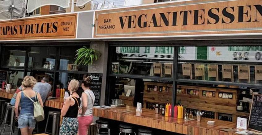 Veganitessen está en el mercado de El Arenal. Foto: Veganitessen