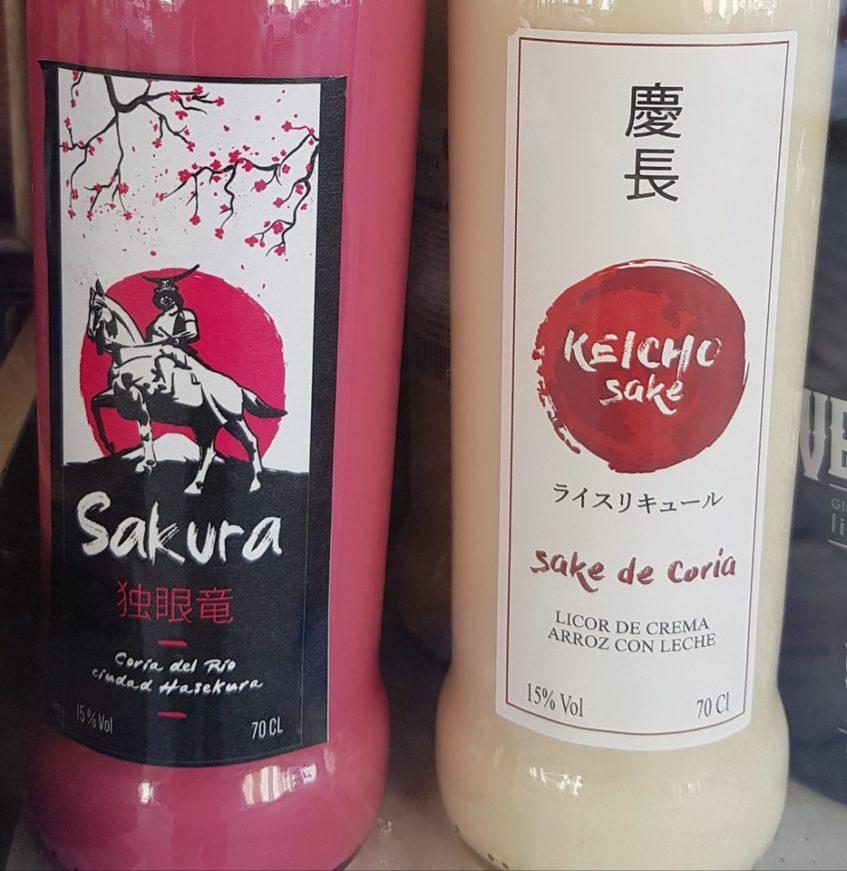 El recién lanzado Sakura junto al sake de arroz con leche. Foto cedida por Antonio Bizcocho.
