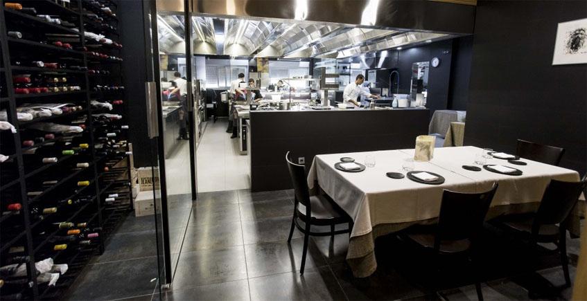 """Abantal pone en marcha """"la mesa del chef"""" en medio de una cocina estratosférica"""