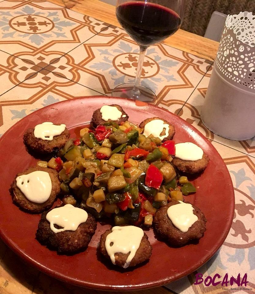 Falafel de garbanzos con verduras, una de las nuevas incorporaciones de Bocana. Foto cedida por el establecimiento.