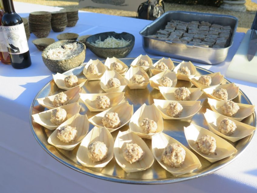 Bolas de queso con Garum elaboradas por el equipo de Ispal. Foto: CosasDeComé