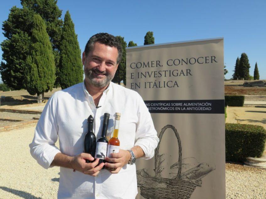Manuel León Béjar, el investigador que ha descubierto a los chefs los usos gastronómicos de la Antigua Roma. Foto: CosasDeComé.