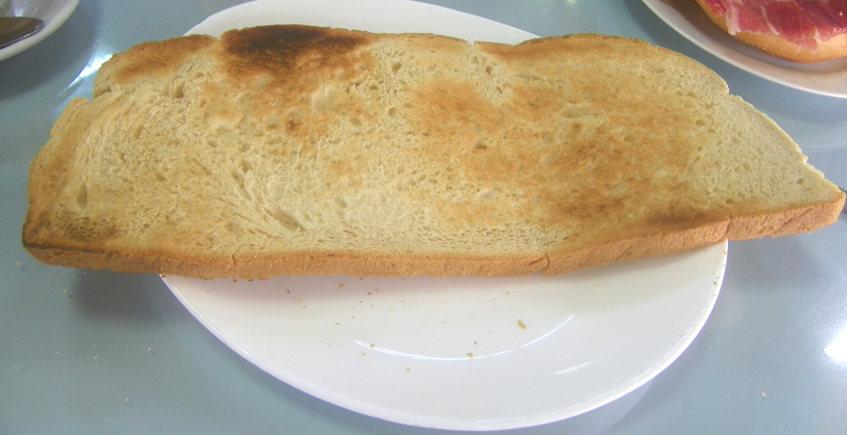 La tostada XL del Bar Campana