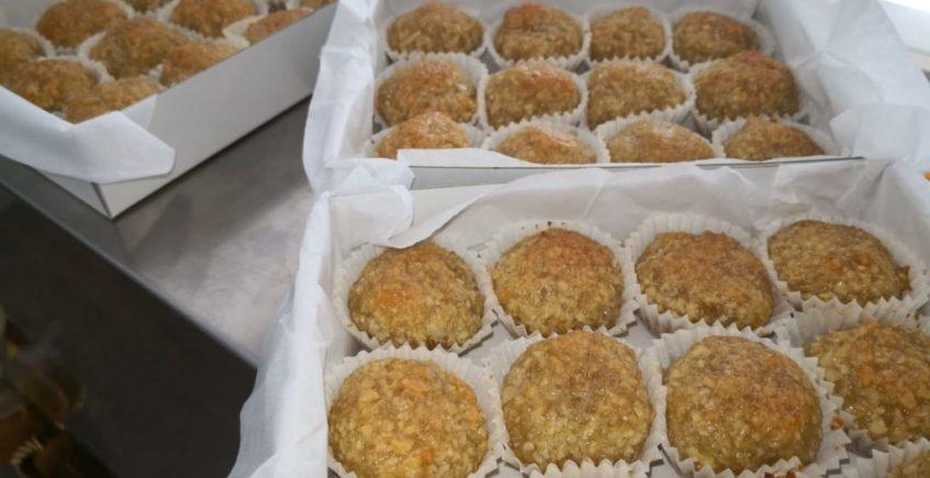 Bocaditos de almendra de La Gloria, nace el dulce típico de Sanlúcar La Mayor