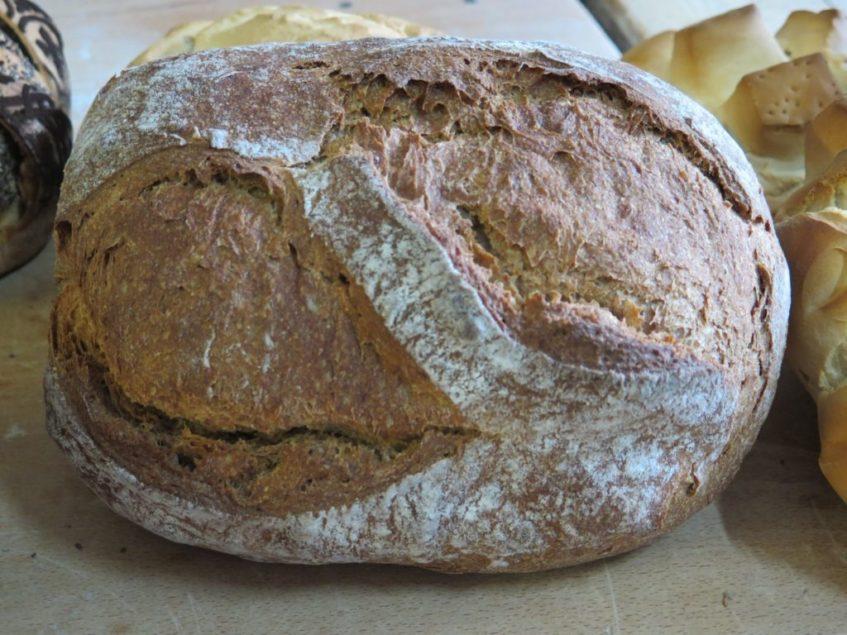 El pan cien por cien integral, todo un éxito de ventas de Juan Cordón. Foto: CosasDeComé.