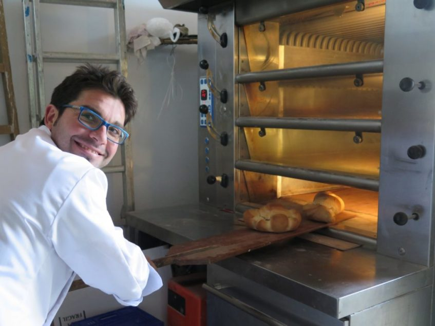 La fermentación 24 horas previa a la elaboración del pan resulta esencial para que sea saludable. Foto: CosasDeComé.