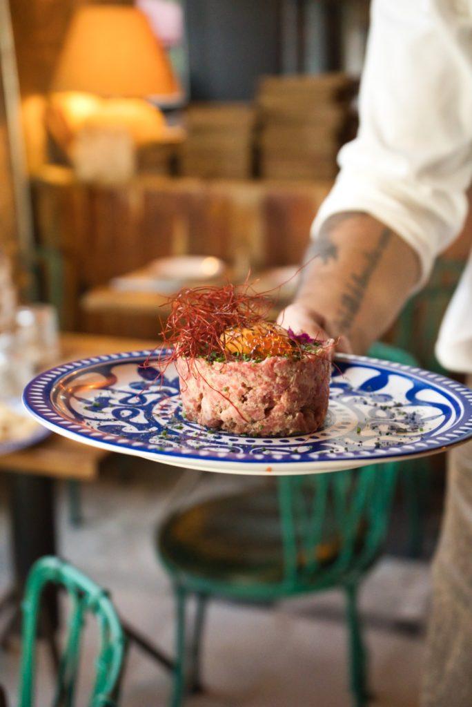 El tartar napolitano se presenta como una de las propuestas más originales de la carta. Foto cedida por el establecimiento.