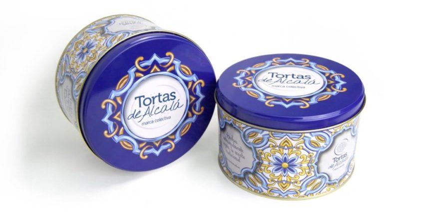 Azulejos sevillanos ilustran las nuevas latas de las tortas de Alcalá