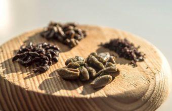 Diferentes formatos de las aceitunas deshidratadas de Atalaya. Foto: cedida por la empresa.