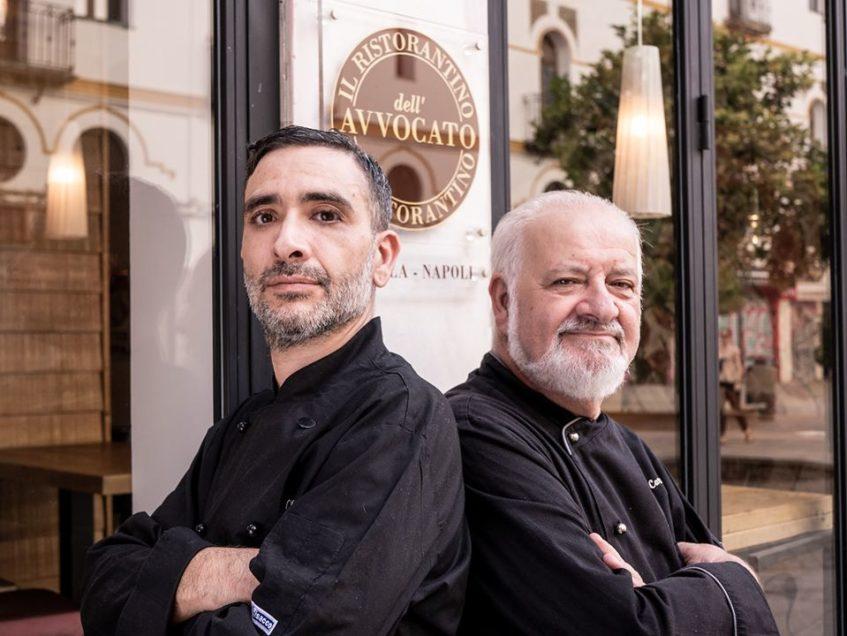 Marco Cardillo, chef del restaurante en Sevilla, junto a su padre, Raffaele Cardillo. Foto cedida por el establecimiento.