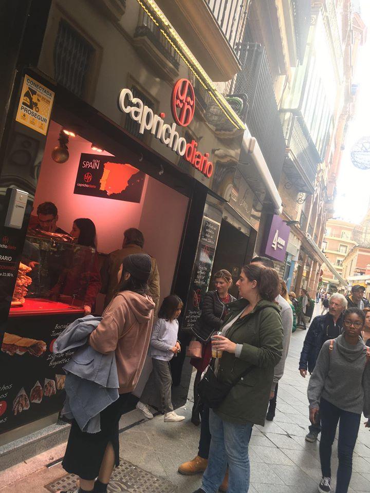 La nueva tienda se ubica en la calle Lineros. Foto cedida por el establecimiento.