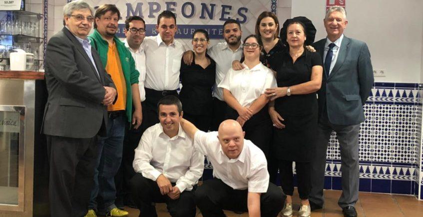Mesón Campeones, el bar inclusivo de Sevilla en el que trabajan personas con discapacidad