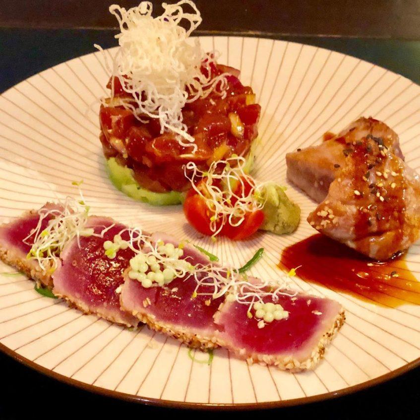 Atún rojo a las tres texturas, uno de los platos estrella del restaurante. Foto cedida por el establecimiento.