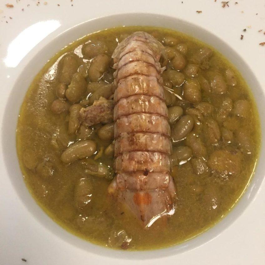 En De Cuchareo 28 sirven este marisco con las alubias gallegas denominadas 'verdinas'. Foto cedida por el establecimiento.
