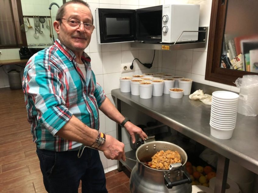 La olla de Camilo Arias entra en funcionamiento todos los días a las cuatro de la mañana. Foto: CosasDeComé