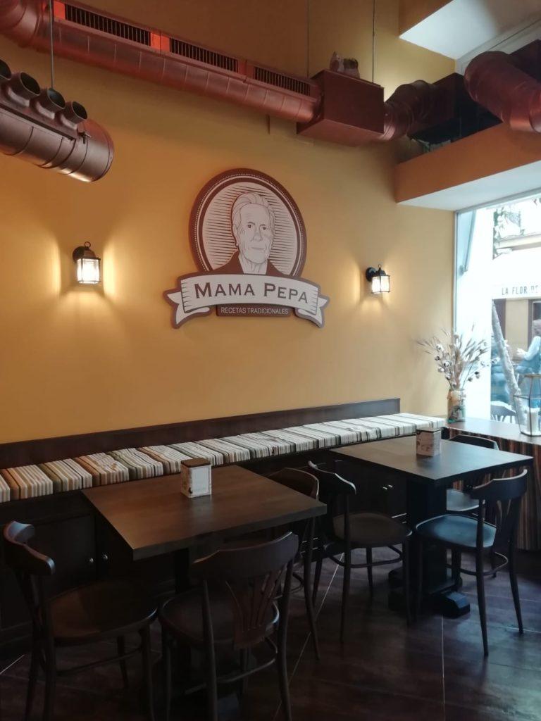La imagen de Mamá Pepa se ha convertido en el logo del local. Foto cedida por el establecimiento.