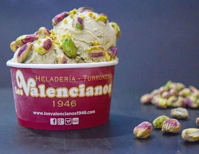 La heladería Los Valencianos es una de las que tienen más solera en Morón de la Frontera. Foto cedida por el establecimiento