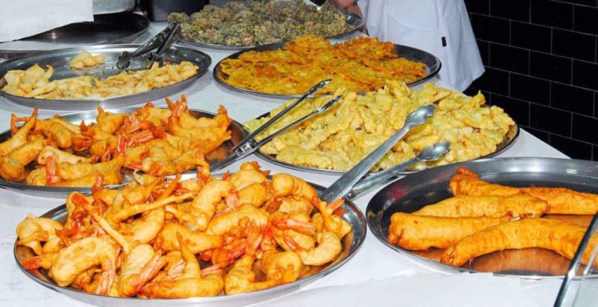 El pescaíto frito de Freiduría Mara, en casa no solo durante la Feria