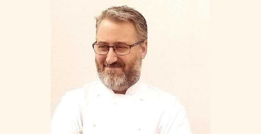 El cocinero Carlos Mitchell abrirá restaurante junto a la plaza de Cuba