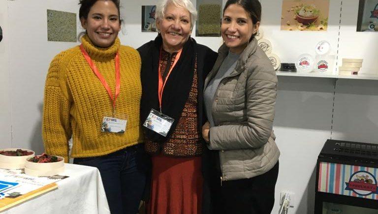 Isadora y Mairín Vizcaíno, junto a su madre, Miriam Hernández, conforman Popurry. Foto cedida por la empresa