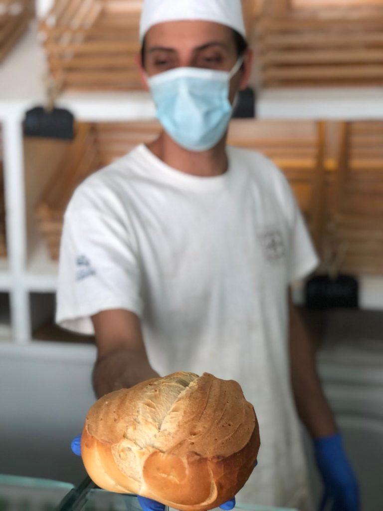 Repetto selecciona cuidadosamente la harina con la que elabora sus panes artesanales. Foto: CosasDeComé