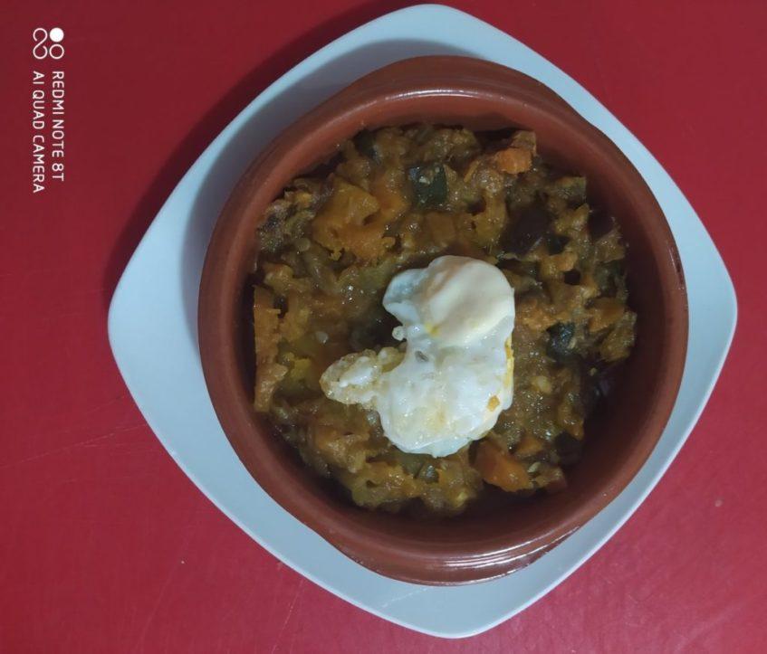 Alboronía, receta procedente de Carmona. Foto cedida por el establecimiento