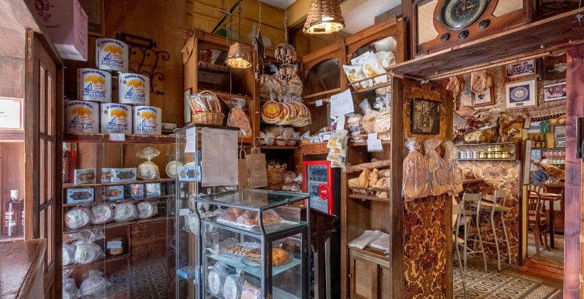 La Antigua Abacería de San Lorenzo fue tienda y tuvo servicio de comida para llevar antes de anunciar su cierre hasta septiembre. Foto cedida por el establecimiento