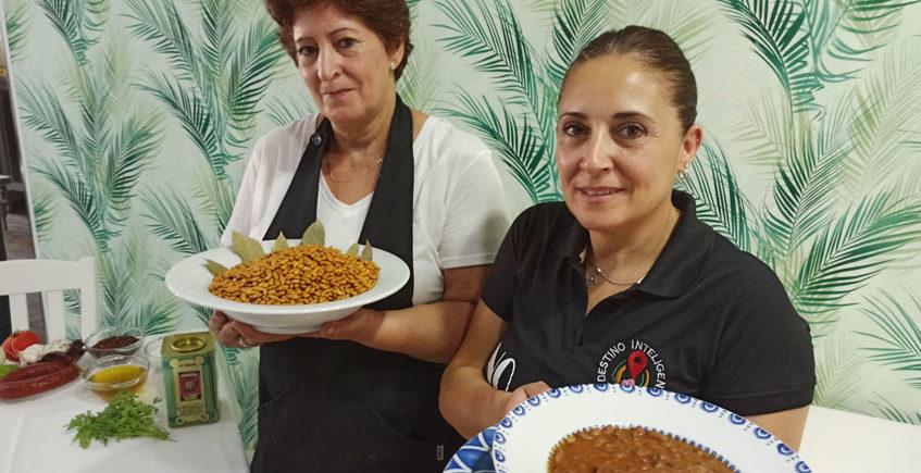 NIeves Garcia y María Dolores Villarin