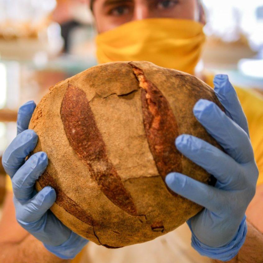 Pan de salmorejo, la última innovación de La Esencia. Foto cedida por el establecimiento