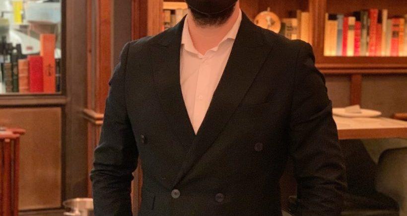 Michael Márquez, metre