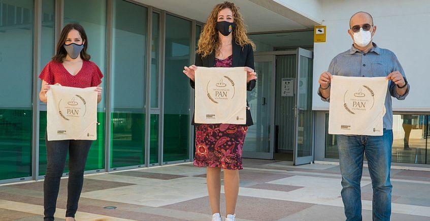 La Rinconada reivindica la talega de pan para cuidar el planeta