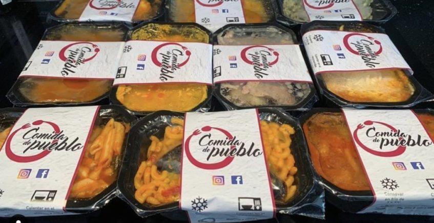 Comida de Pueblo, los tuppers de La Puebla de Cazalla que triunfan en el norte de España