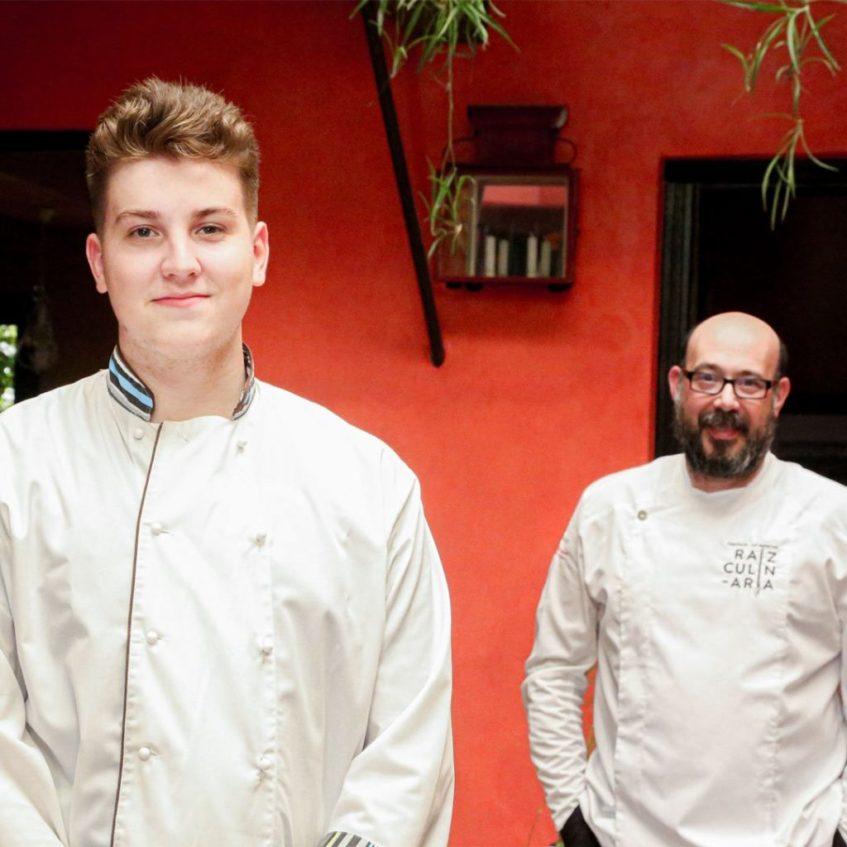 El cocinero Daniel Cascajosa sigue entre fogones las directrices del maestro manchego. Foto cedida por el establecimiento