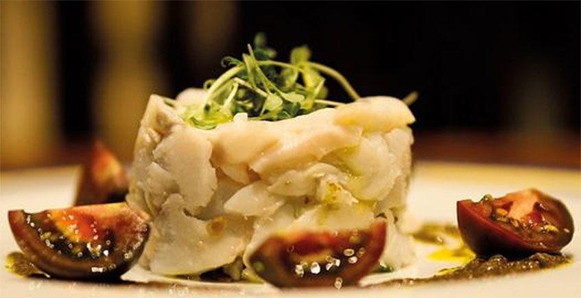Bacalao con alioli de wasabi y lubina salvaje en ceviche