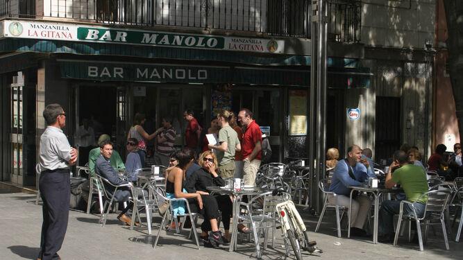 Imagen-Bar-Manolo-Plaza-Alfalfa_1517258574_127771606_667x375